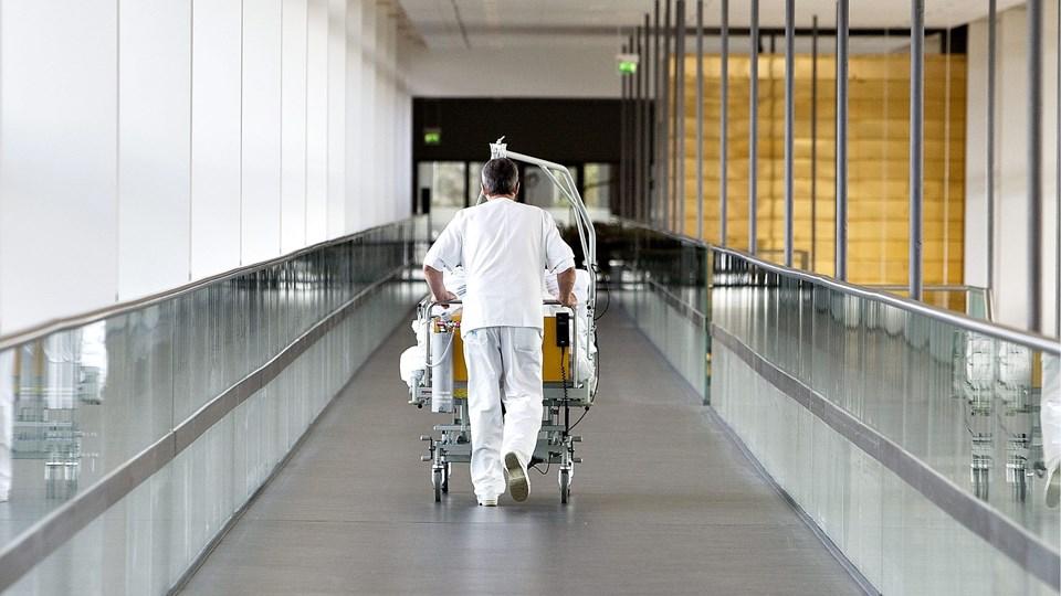 Portørerne på Aalborg Universitetshospital har reageret på en påtænkt fyreseddel til en af kollegerne.