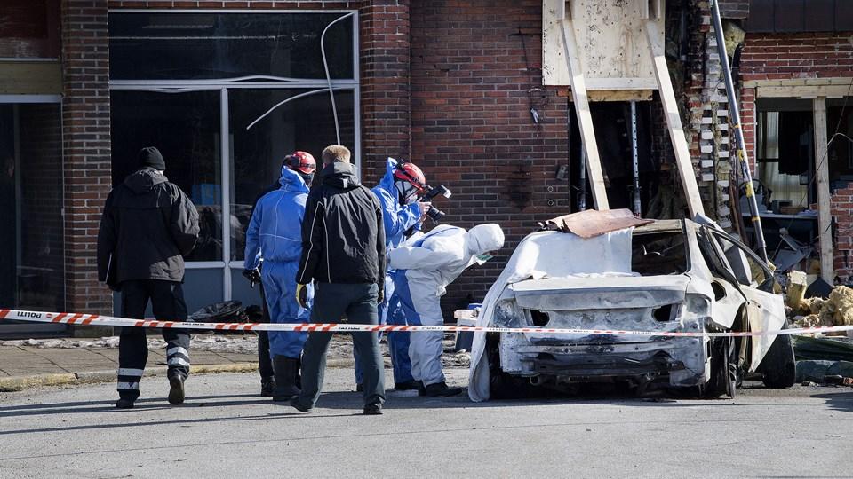 Ved en voldsom ulykke 15. marts kørte en 26-årig mand ind i lufthavnsbygningen i Thisted og blev dræbt på stedet. Arkivfoto: Peter Mørk