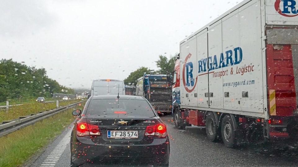 Kilometerlang bilkø på E45 efter trafikuheld onsdag eftermiddag. Foto: Privatfoto