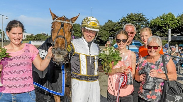 Jens og Saga Laursen, der er søn og barnebarn af legendariske Jørn Laursen, deltager i løbet på søndag. Privatfoto