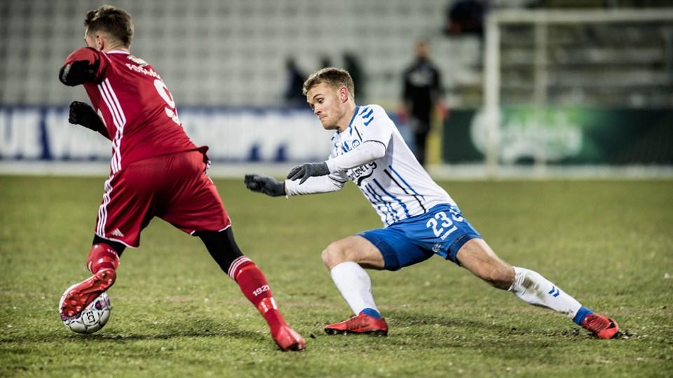 OB-spilleren Troels Kløve (til højre) kræver en sejr over AGF fredag aften. Foto: Scanpix/Tim Kildeborg Jensen/arkiv