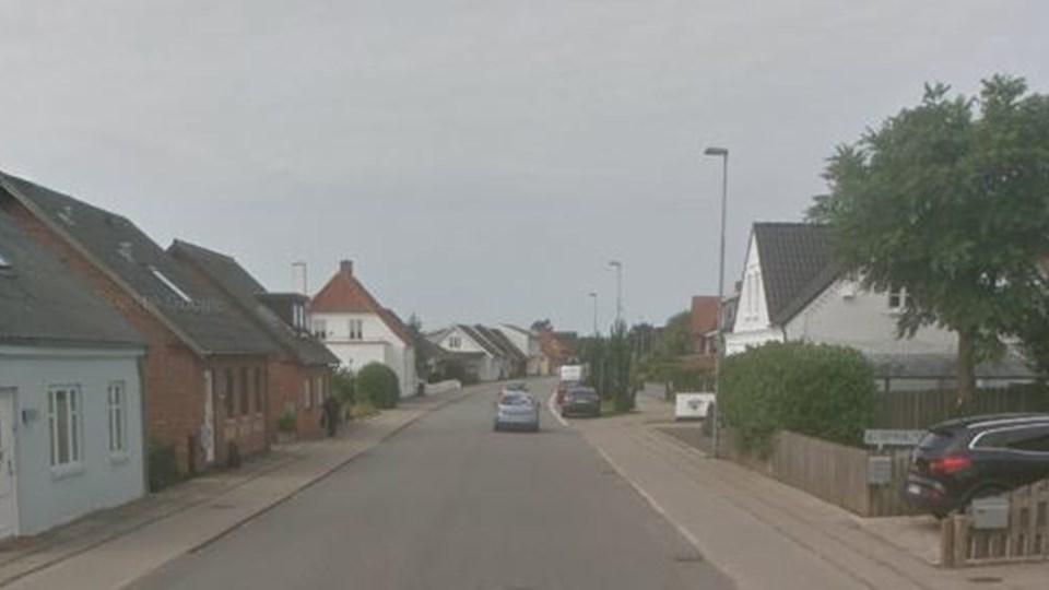 Overfaldet på den 16-årig pige, er ifølge anmeldelsen begået på Hundborgvej lidt før Vestre Kirkegård i Thisted natten til søndag 1. september. Foto: GoogleMaps