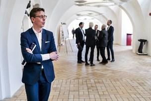 Lauritzen går solo med skatteudspil