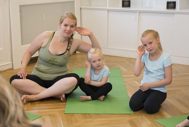 Tag dit barn med til yoga på søndag