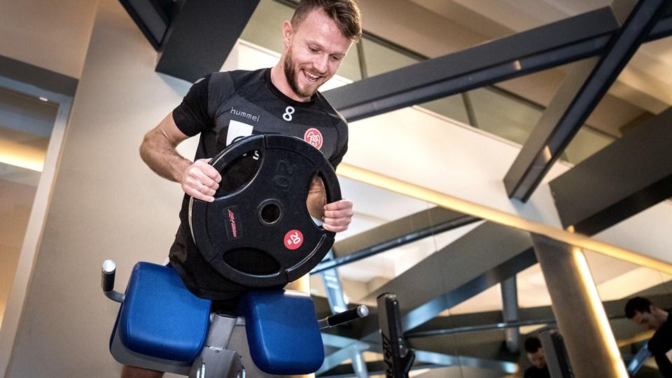 AaB-anfører Rasmus Würtz vil kun forlænge karrieren, hvis han fortsat har noget at bidrage med på banen. Det er ikke nok at være støttepædagog udenfor. Foto: Torben Hansen
