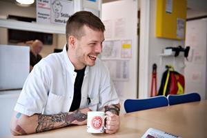 Mathias voksede op uden kærlighed: - Jeg tager små skridt og skaber mig et godt fundament