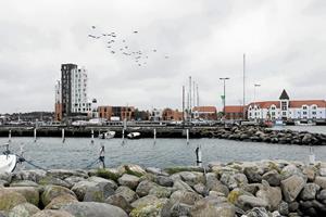 Strandbynitter på kollisionskurs ved borgermøde: Skal der bygges i 12 etager på havnen i Strandby?