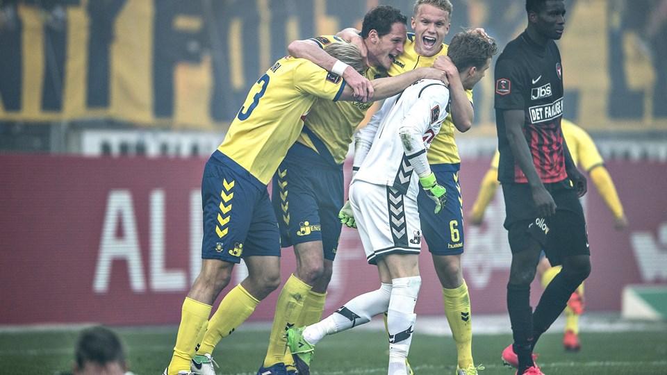 FC Midtjylland og Brøndby er de største bejlere til sæsonens DM-guld, men vinderen får sværere ved at veksle guldet til en plads i Champions League-gruppespillet. Foto: Scanpix/Henning Bagger