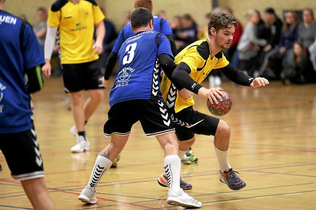 Vester Hassing i gule bluser tabte 20-29 i søndagens oprykningskamp. Foto: Allan Mortensen