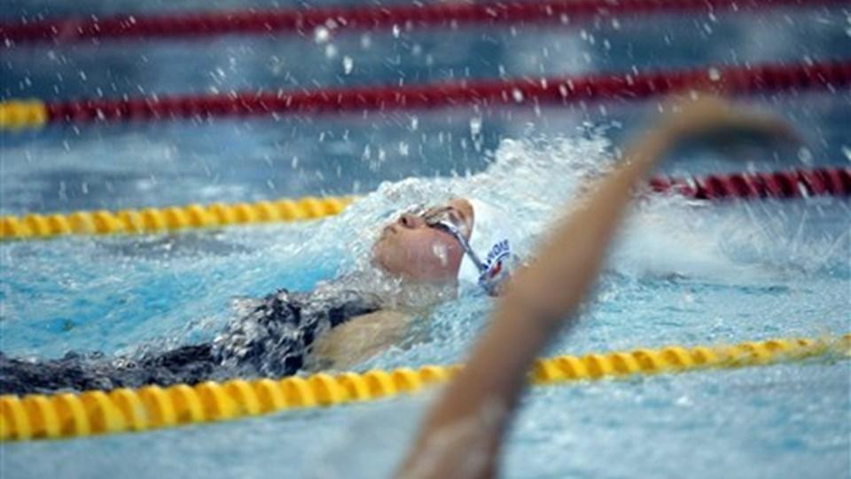Mie Østergaard Nielsen var torsdag flyvende i bassinet i Thisted. Foto: Peter Mørk
