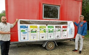 Besøg den røde skurvogn og hør mere om to naturprojekter