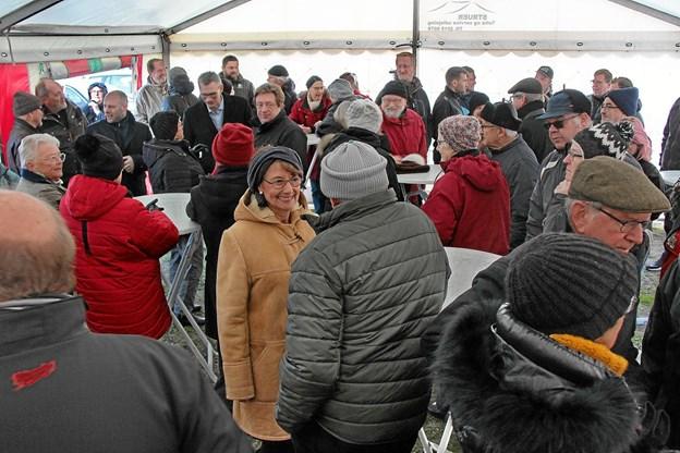 Der var tæt pakket i teltet. Foto: Hans B. Henriksen Hans B. Henriksen