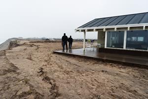 Truede grundejere i Lønstrup fortsætter kampen for kystsikring: - Vi holdes som gidsler