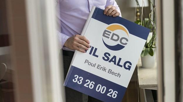 Trods færre til salg-skilte er det sværere at sælge lejlighed