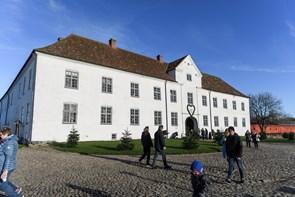 Høj sol over Børglum Kloster