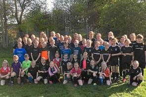 Piger strømmer til FC Thy Pigers træning