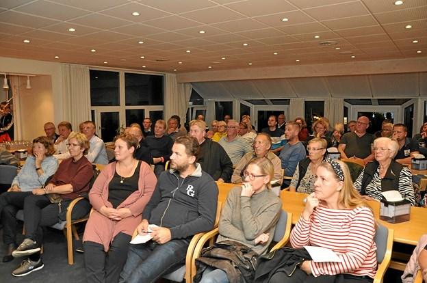 Der viste sig stor interesse for emnet, og cafeteriet var fyldt til bristepunktet.Foto: Ole Torp