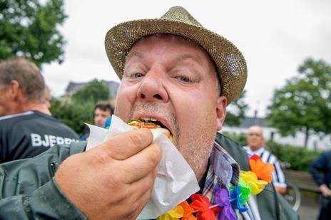 Se de herlige billeder: Royal Hotdog Walk blev et tilløbsstykke