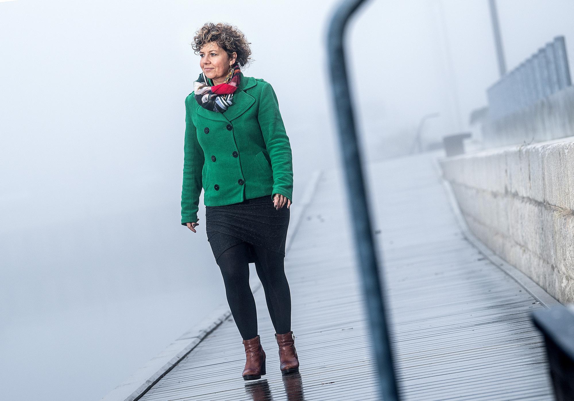 Sofie Ellegaard elsker gåture langs havnefronten og særligt det rå udtryk ved Cable Park - også når tågen har lagt sig over fjorden.