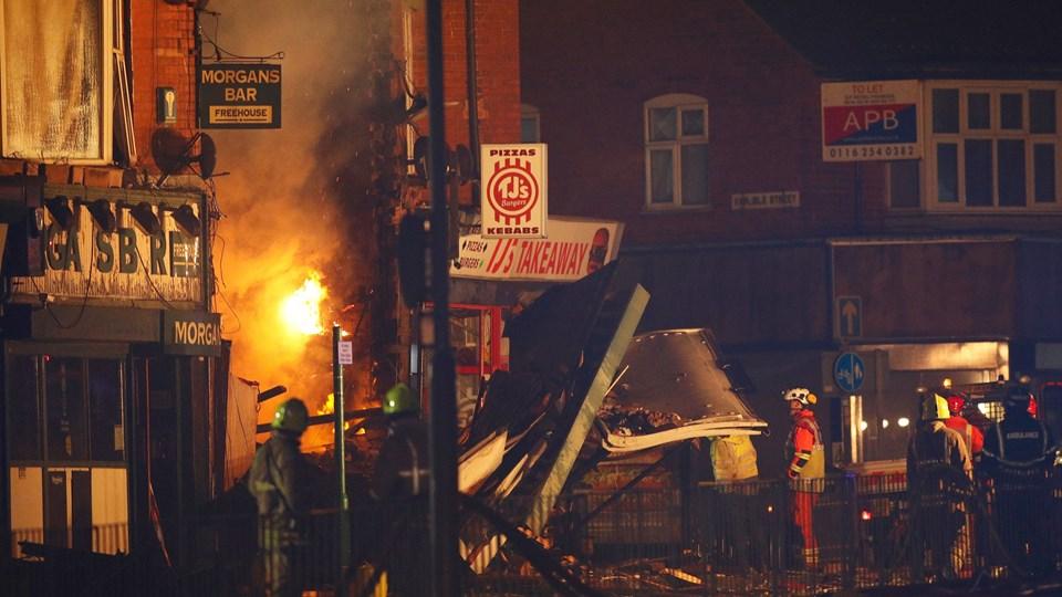 En eksplosion fandt sted søndag aften i et boligområde vest for Leicester centrum. Den udløste en brand og førte til, at en bygning kollapsede. Bygningen husede en købmand og en lejlighed i to etager. Foto: Reuters/Darren Staples/arkiv