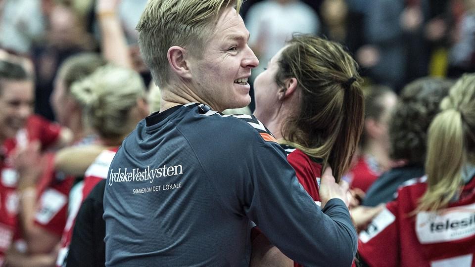 Team Esbjergs træner Jesper Jensen får snart en ny venstre back. Foto: Scanpix/Henning Bagger