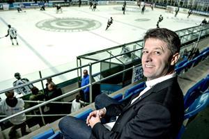 Overskud på ishockey for 10. år i træk