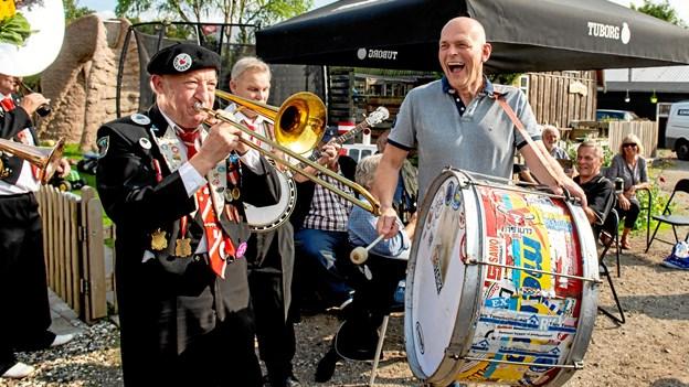 Festlige Fjordbyen tog sig kærligt af Cirkusrevyen