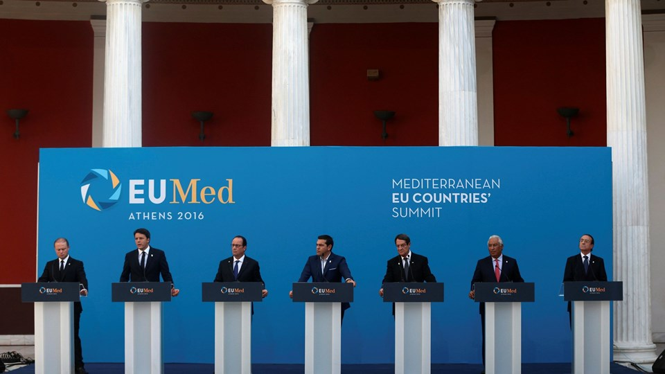 Maltese PM Muscat, Italian PM Renzi, French President Hollande, Greek PM Tsipras, Cypriot President Anastasiades, Portuguese PM Costa and Spanish State Secretary for the EU Eguidazu attend a news conference during a summit in Athens Foto: Reuters/Michalis Karagiannis