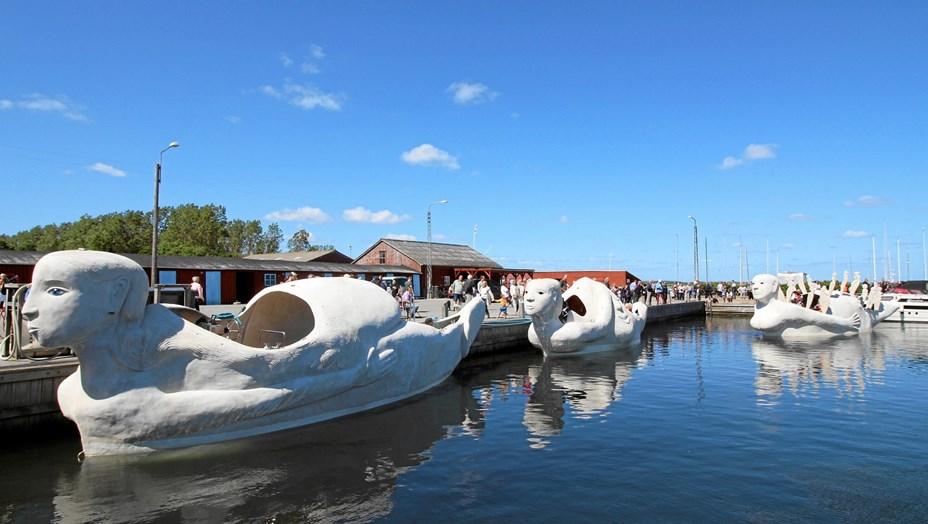 Tre sejlende skulpturer lagde til i Asaa