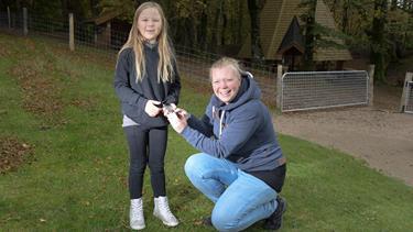 Ellinor på seks år bøvler med diabetes - så fik hendes mor en smart idé