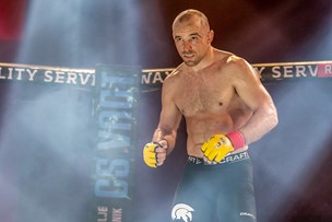 MMA i Frederikshavn: Alt er på spil i buret hver gang