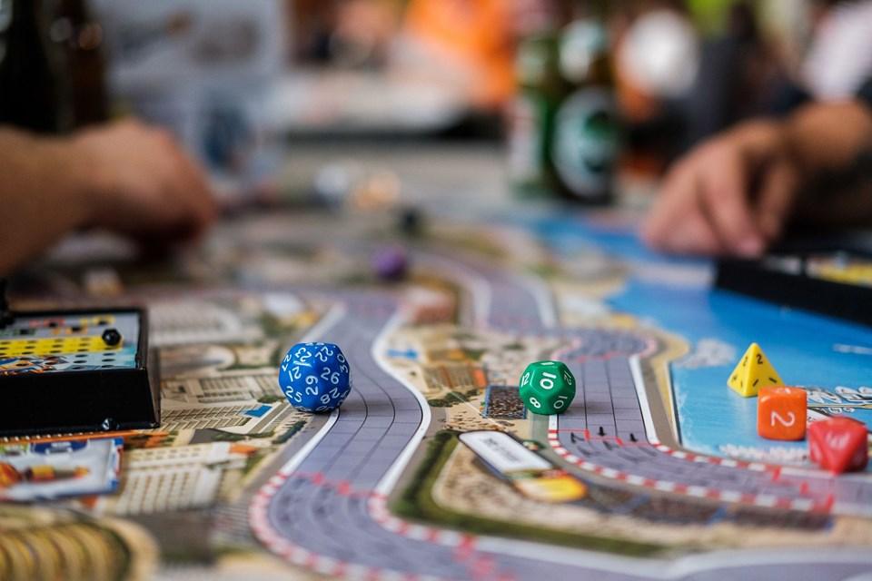 Udvalget er stort, men de spil, der hitter, er typisk dem, man hurtigt kan forklare, men som stadig gør noget nyt, forklarer Mathias K. Berthelsen.