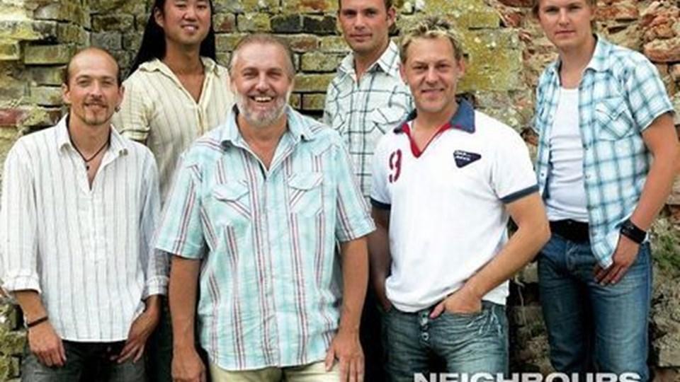 Neighbours består foruden de to naboer fra Ansager, Helge Engelbrecht og Tommy Rasmussen, også af Morten Husted, Peter Højgaard, Dennis Petersen og Ronnie Olesen. Privatfoto