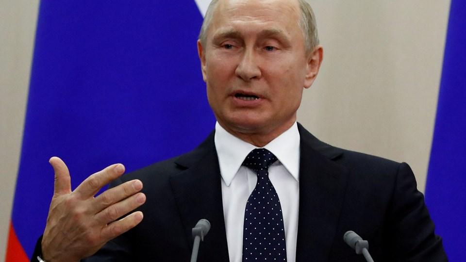 Vladimir Putin slår fast, at han går af som Ruslands præsident, når hans embedsperiode udløber i 2024. Til den tid vil han være 71 år. Foto: Sergei Karpukhin/Reuters