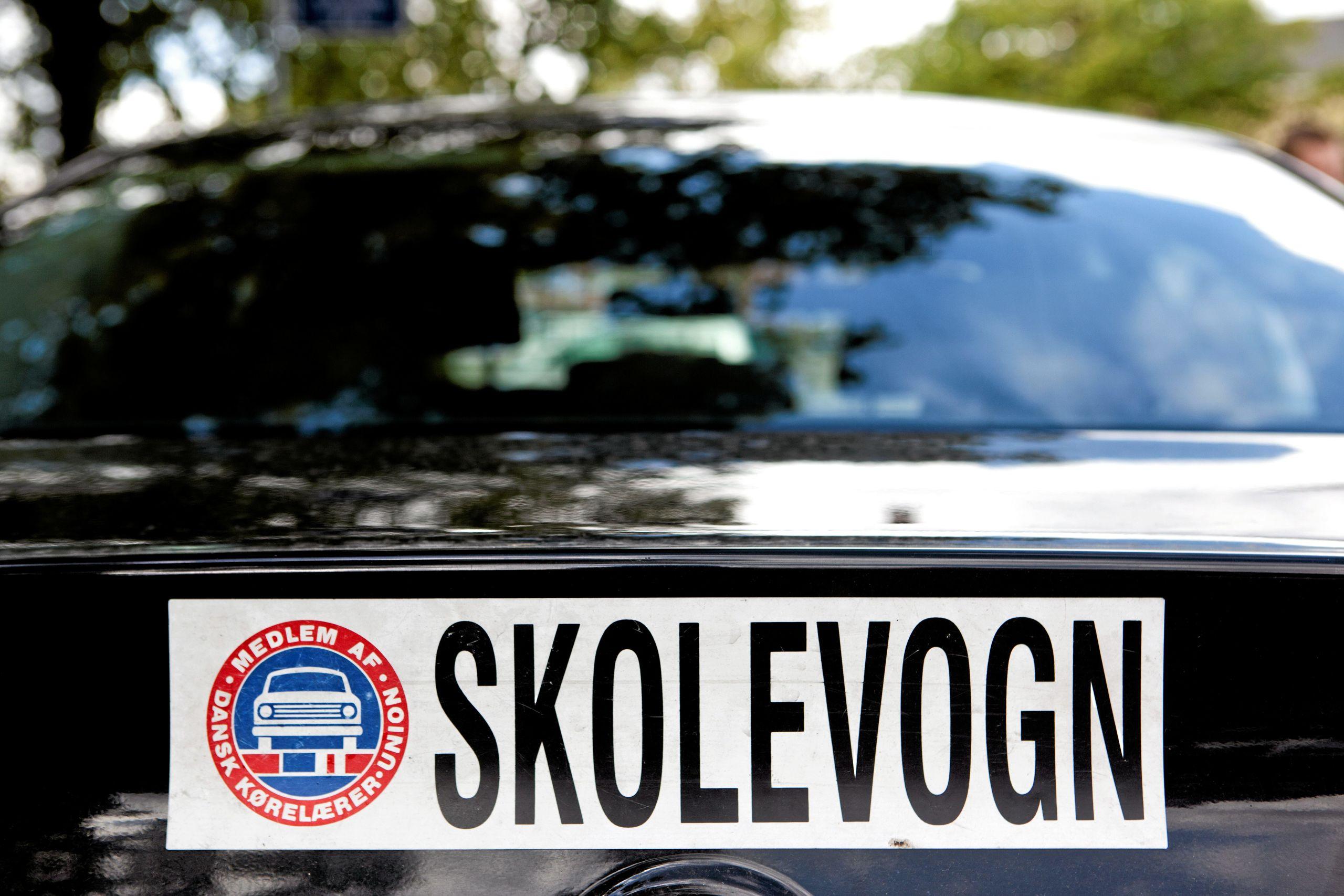 Vilde prisforskelle: Så meget koster kørekort hos nordjyske kørelærere