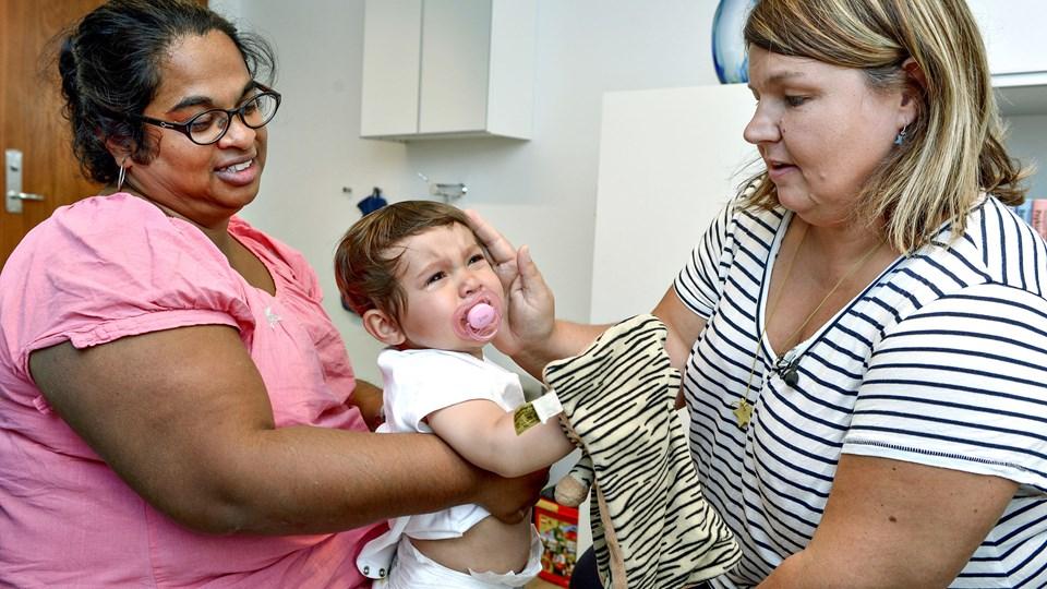Helle Nygaard er læge i klokkerholm og alenemor til tre børn i Øster Brønderslev. Foto: Henrik Louis