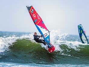 EM i Windsurf Wave Performance tager form