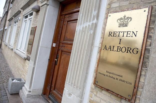 Drabsmand tiltalt for voldtægtsforsøg efter singlefest: Jeg vil gerne have villa, Volvo og vovse
