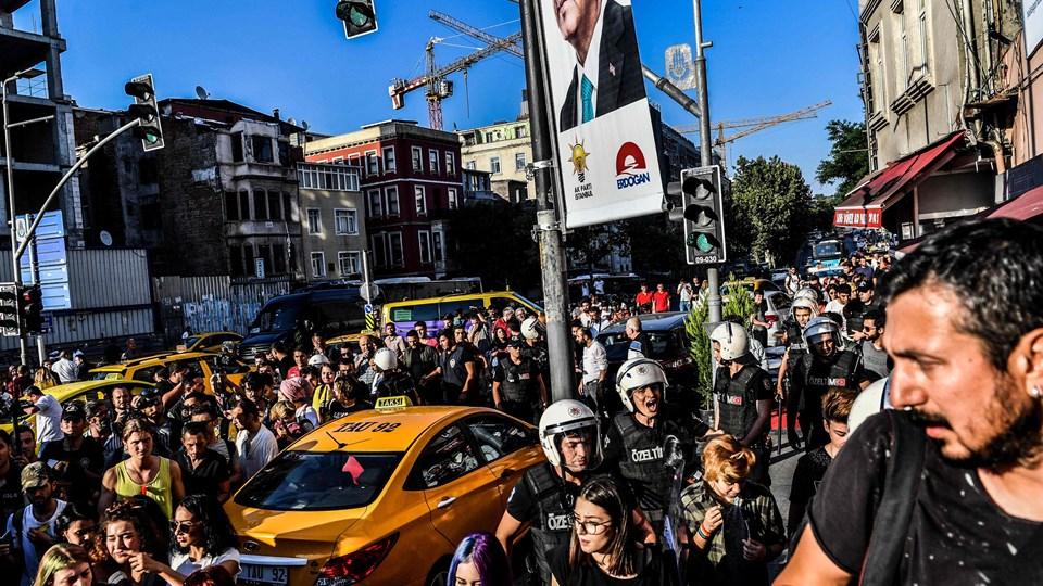 Det er fjerde år i træk, at myndighederne stopper pride-paraden i Istanbul. Foto: Bulent Kilic/Ritzau Scanpix