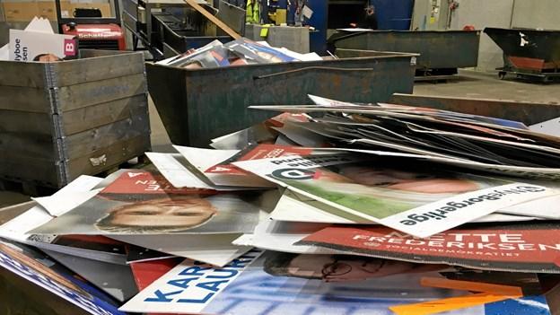 12.000 valgplakater kvast i Mariager: Nu kan de genanvendes