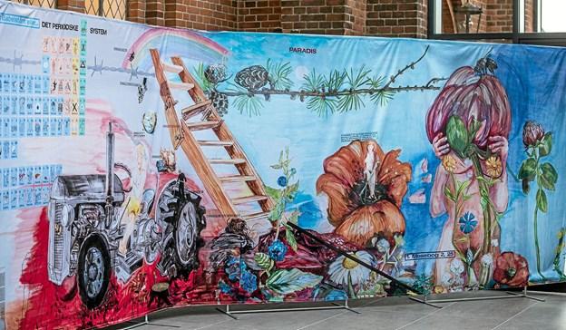 Det oprindeligt 40 meter lange vægmaleri, som udstilles i reduceret udgave på 20 meter i Løgstør Sognehus. Foto: Mogens Lynge