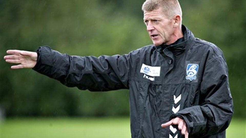Blokhus FC-træner Søren Kusk lover forbedringer i Mark Tubæks spil. Foto: Torben Hansen