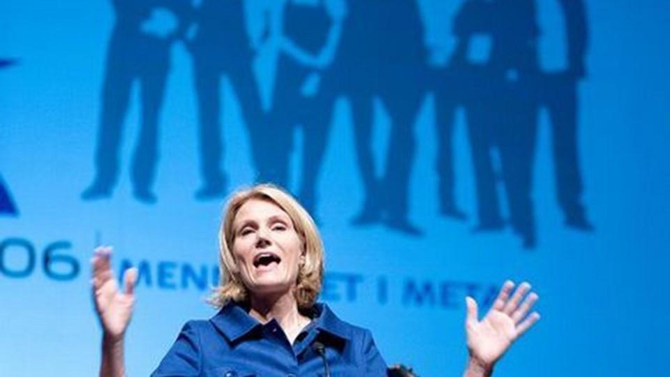 S-formanden på talerstolen i Aalborg: Skattelettelser eller velfærd. Foto: Scanpix
