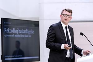 Beskæftigelsesminister rydder op i regeljunglen