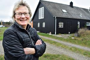 61-årige Lillian kunne se muligheder i kaos: Forvandlede ruin til klinik