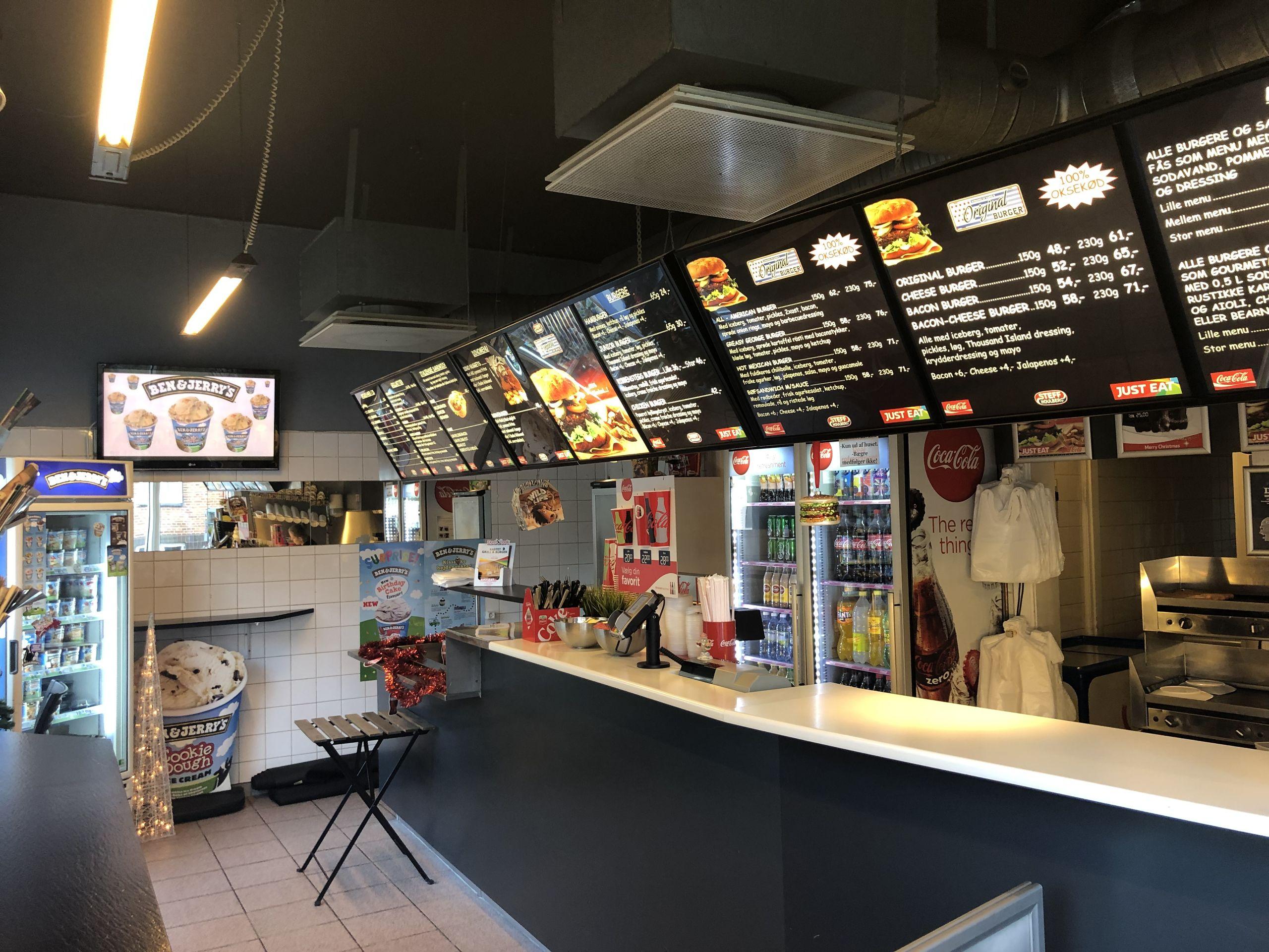 Vi vil have burgere og fritter ... Det blev i hvert fald en Aalborg-burgerbar, der løb med titlen som Nordjyllands bedste til takeaway. Privatfoto