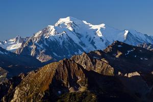 Stor gletsjer truer med at kollapse på Mont Blanc
