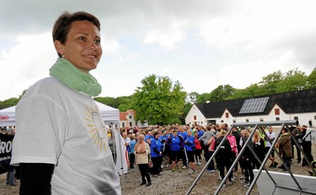 """Der har altid været en kendis til at åbne """"festen"""" – her er det håndboldspilleren Lotte Kiærskou i 2012. Foto: Carsten Thomasen"""