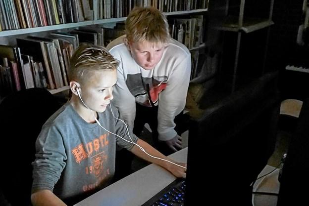 Der var dyb koncentration foran skærmene under gaming festivalen. Foto: Peter Jørgensen Peter Jørgensen