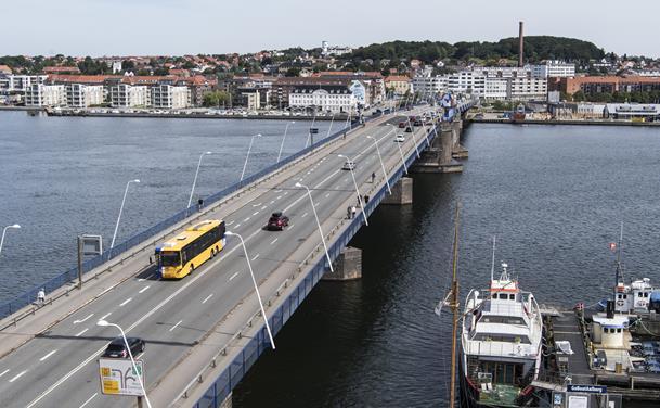 Frem med tålmodigheden: Limfjordsbroen bliver indsnævret hen over sommeren